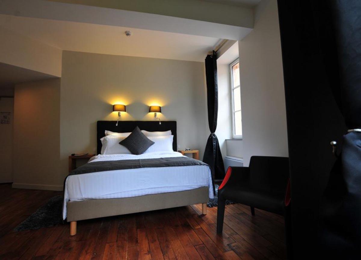 Sy Hotels - V U00e9zelay La Terrasse - Les Glycines